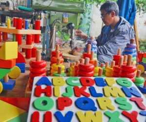 Tips Memilih Mainan Anak Sesuai Fase Perkembangan 0 Bulan-6 Tahun