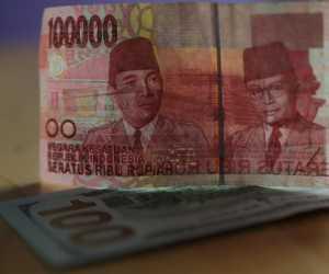 """China Merasa """"Di-PHP-in"""", Rupiah Bisa Tembus Rp 14.100/US$"""