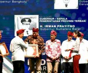 Plt Gubernur Aceh Raih Penghargaan Kepala Pemerintah Terbaik