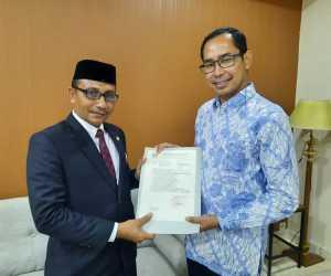 Haji Uma Temui Kemenlu Minta Evakuasi Mahasiswa Aceh di Wuhan