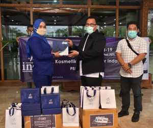 Perusahaan Kosmetik Inez Bantu Hand Sanitizer Untuk Tenaga Medis di Aceh