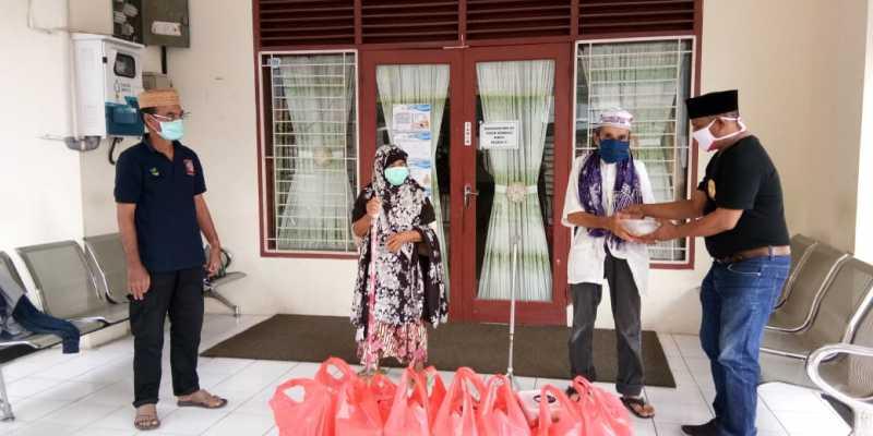 BAS Aceh & IWABA Santuni Panti Jompo