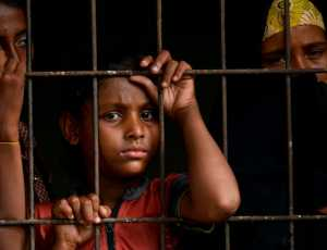Rohingya mengatakan mereka dipaksa minum air seni agar tetap hidup dalam perjalanan laut empat bulan