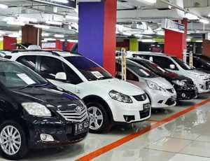 Harga Mobil Bekas Anjlok. Pedagang Terlilit Utang Bank