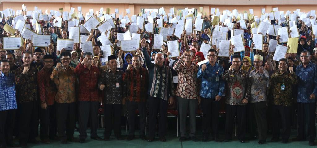 2.602 SK Kenaikan Pangkat dan Pensiunan ASN, diserahkan Sekda Aceh