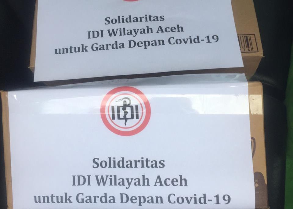 IDI Aceh Terima Bantuan Warga Dukung Paramedis